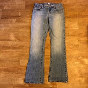 Abercrombie & Fitch Lightwash Flare Jeans size 2R
